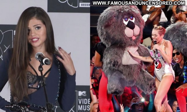 Selena Gomez Pictures Blonde Brunette Celebrity Sexy Female Actress