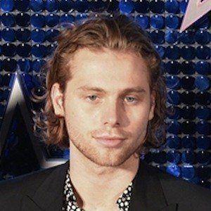 Luke Hemmings boyfriend