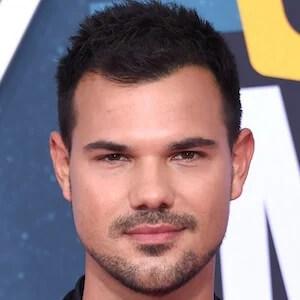 Taylor Lautner  phone number