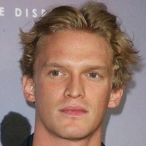 Cody Simpson boyfriend