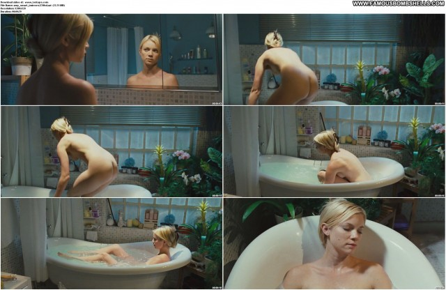 Amy Smart Mirrors Bombshell Beautiful Celebrity Sultry Medium Tits