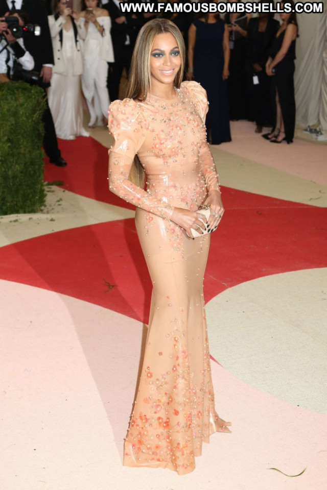 Beyonce Babe Posing Hot Celebrity Beautiful Paparazzi Nyc Hd Famous