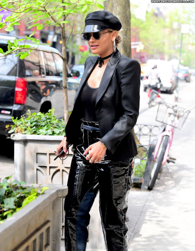 Rita Ora New York Actress British Celebrity Singer New York Braless