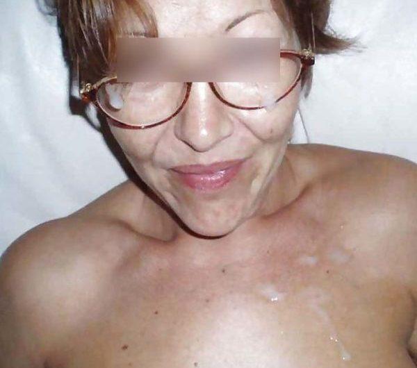 Marie, 46 ans, aimerait bien trouver un amant discret