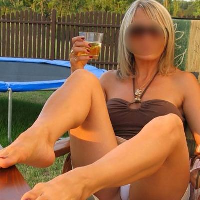 Femme cougar sur Nice seule en journée ch plan sexe