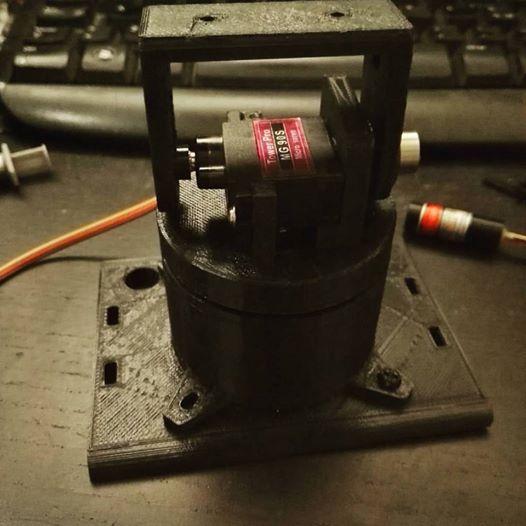 Pan-tilt stampato in 3d, serve a ruotare la testa di un robot