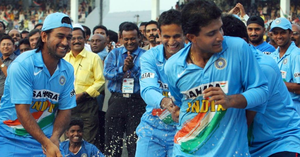 MS Dhoni and Sourav Ganguly after winning an ODI match