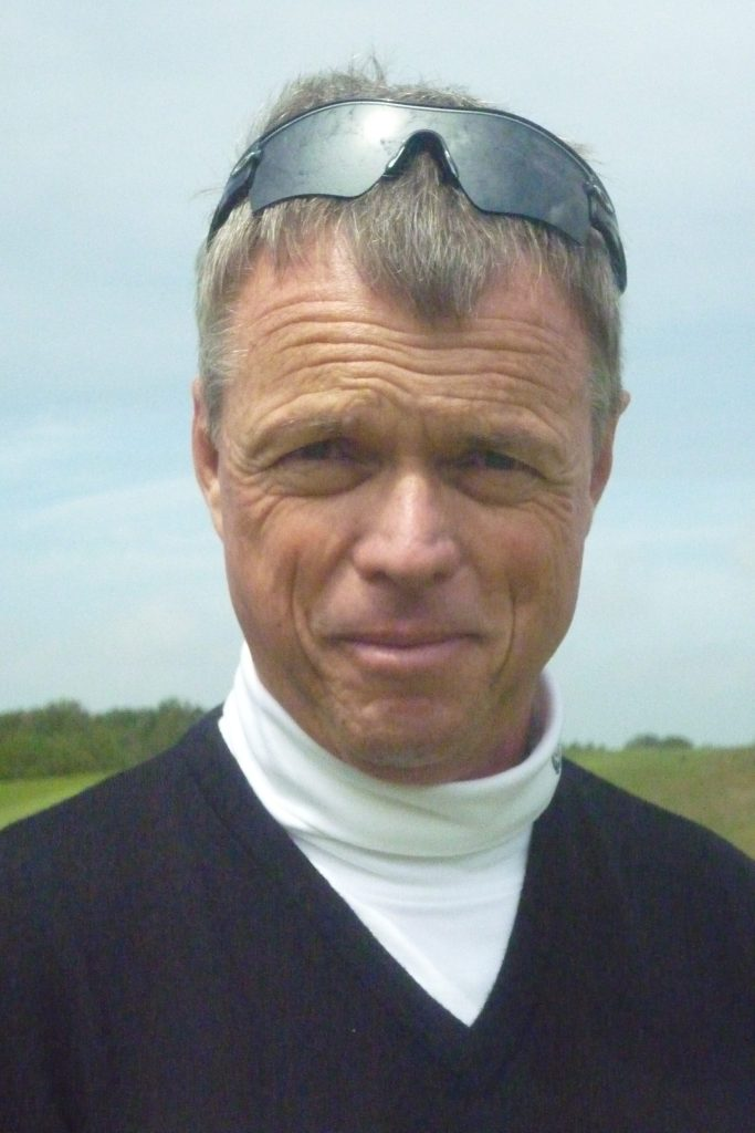 Gary Wolstenholme Biography