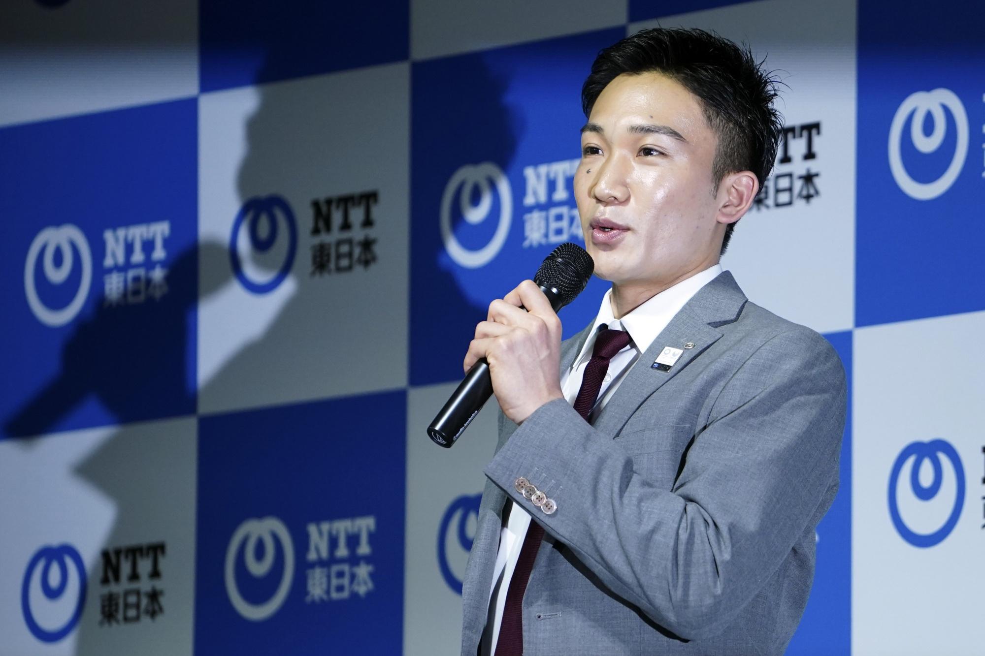 Kento Momota Biography