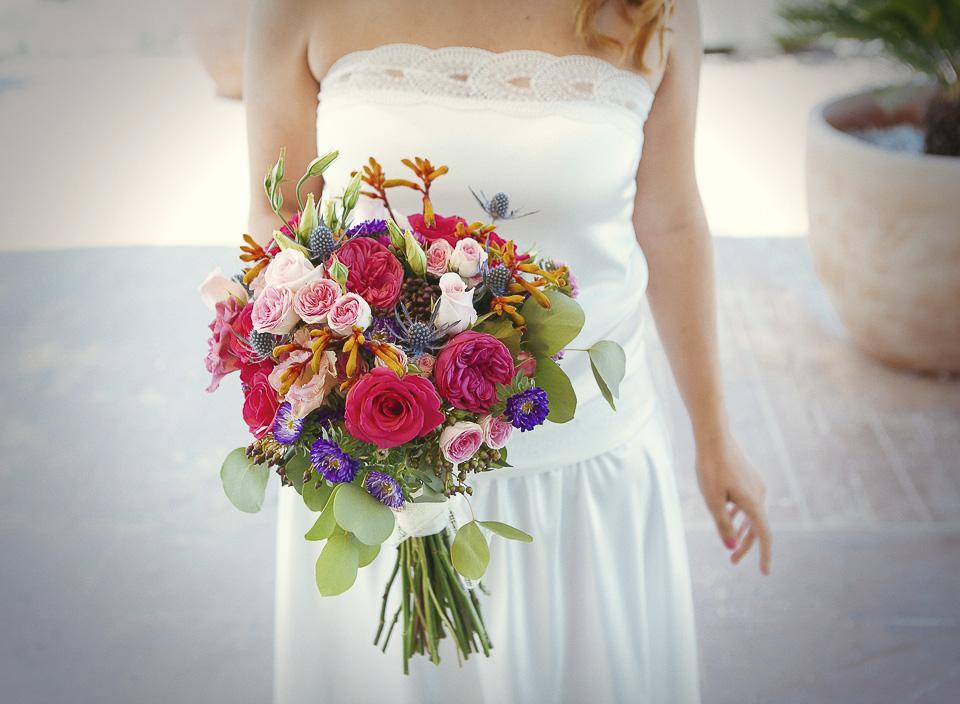 14 ramo de novia con mucho color