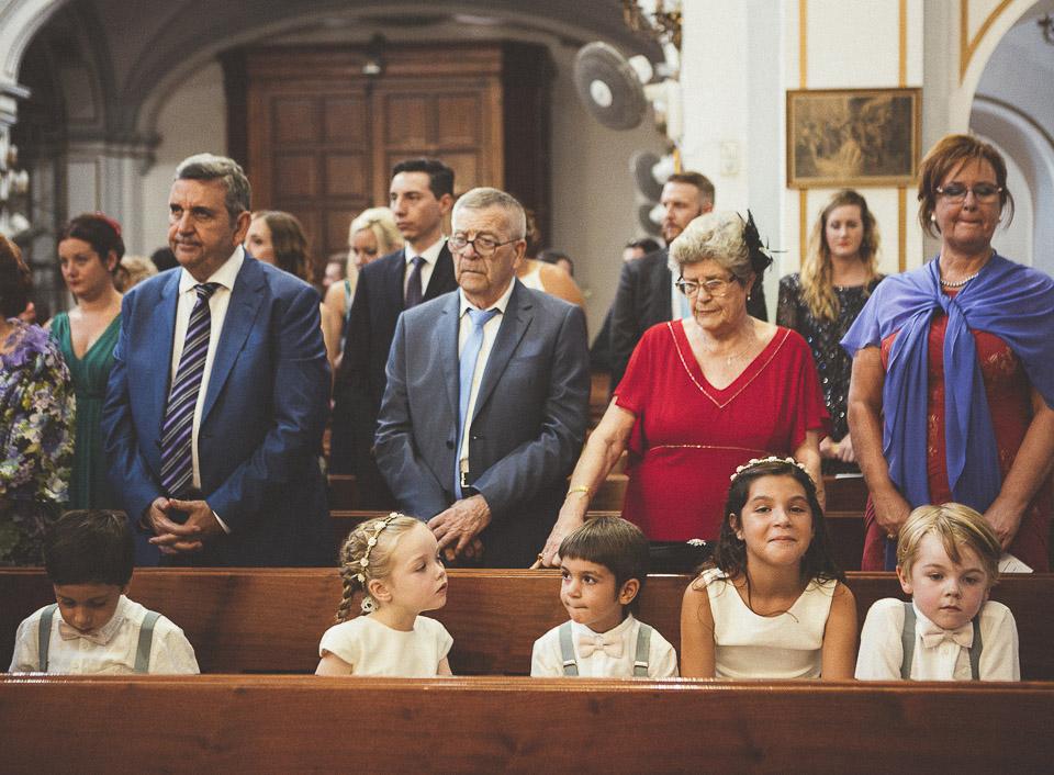 28-peques-en-iglesia