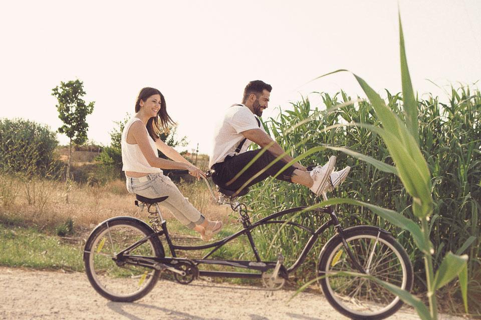 8 pareja en bicicleta tandem valencia