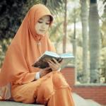 16 SIFAT WANITA YANG DISUKAI PRIA SHOLEH