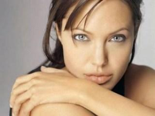 Angelina jolie lip