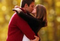 5 TIPS & CARA CIUMAN ALA FRENCH KISS YANG HOT