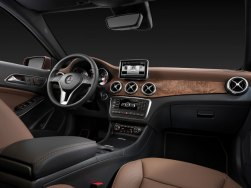 2015-mercedes-benz-gla-class-cockpit--left-studio