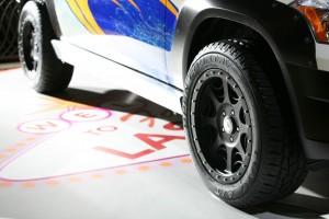 Mercedes-Benz_GLK_Rock_Crawler_by_Legendary_Motor_Company 12