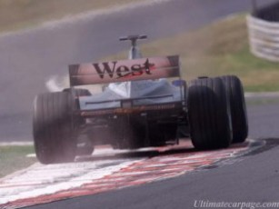 mclaren_mercedes-benz_mp4-16_17