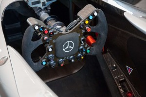 mclaren_mercedes-benz_mp4-16_26