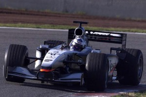 mclaren_mercedes-benz_mp4-17_12