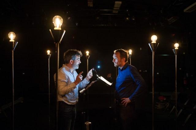 Photo d'une répétition de théâtre à clermont-ferrand par un photographe professionnel spécialisé dans le secteur culturel.