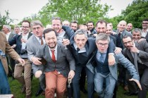 photo-groupe-mariage-dynamique