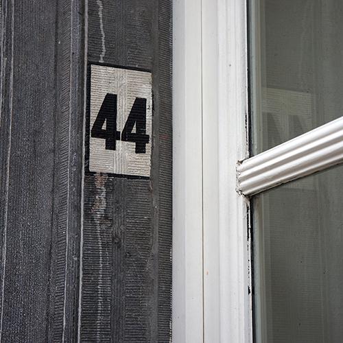 Chiffre 44 Numéro Rue