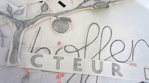 Détail du dessin des lettres de la bâche Loew
