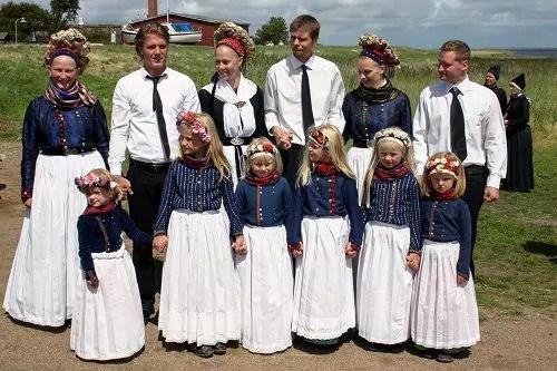 Brautpaare beim Sønderhotag