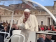 Gastón Merlino, un Fanático del mate le cebó un mate al Papa Francisco en el Vaticano