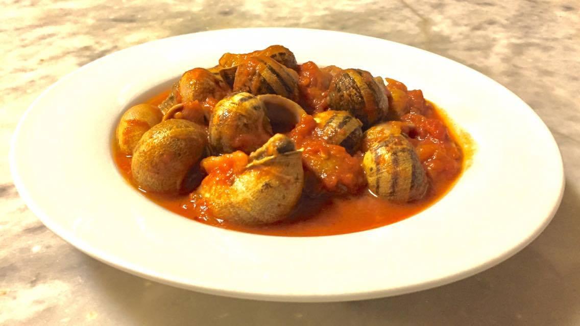 Lumache piccanti al sugo, antica ricetta Sarda