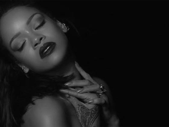 "Rihanna: ""Kiss It Better"""
