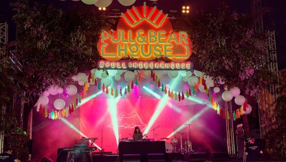 #PullAndBearHouse