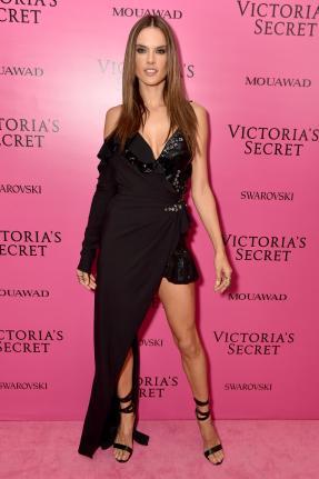 Alessandra Ambrosio @ Victoria's Secret Show 2017