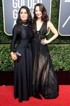 Salma Hayek (Balenciaga) y Ashley Judd (Elie Saab)
