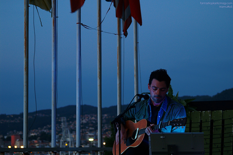 43-Live-The-Roof-02