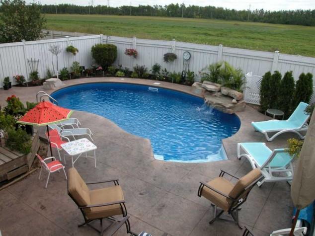 diseños contemporáneos para piscina pequeño patio con ideas fuente de piedra pequeñas piscinas para jardines pequeños 634x475 10+ Ideas para maravillosas piscinas Mini la natación en su patio trasero