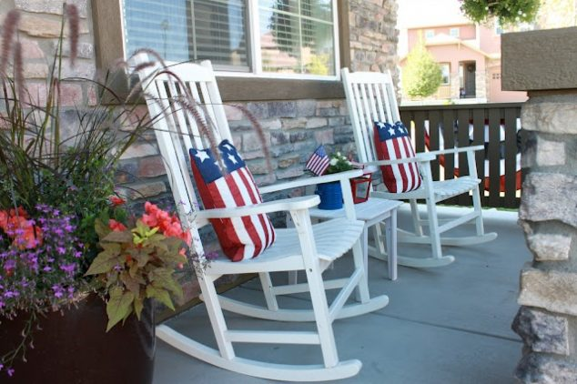 12 Patriotic Front Porch Ideas For Independence Day That
