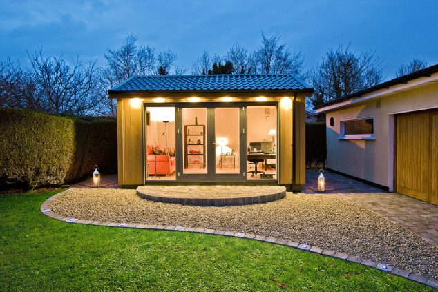 garden room SC 01 paving night L 634x423 13 Practical Open And Closed Garden Rooms That Are Pretty For Looking In