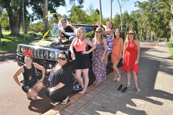 hens-party—fantasy-hummer-limos
