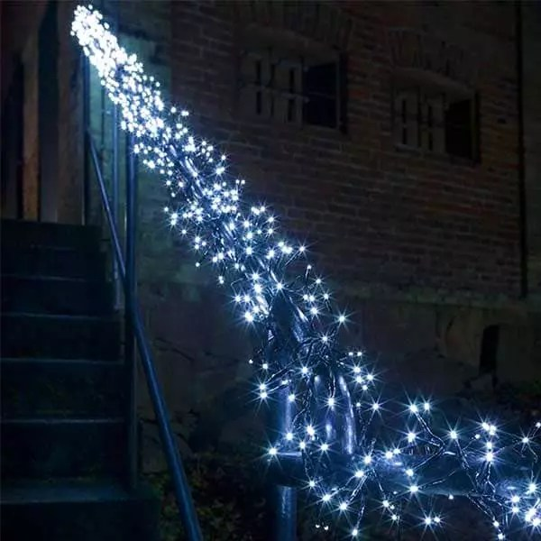 800 LED Cluster Lights Ice White