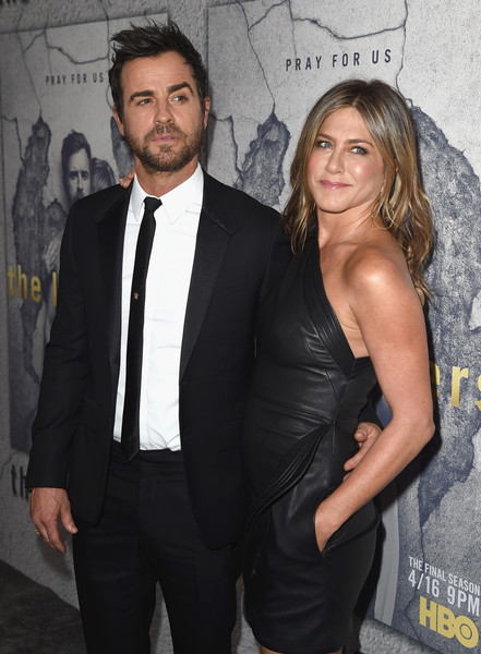 Jennifer Aniston criando un baby sola! – Star