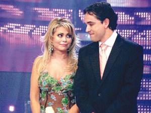 Gisela Valcárcel, Roberto Martínez