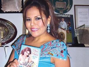 Dina Páucar