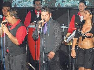 Carlos Barraza,  Miguel Barraza