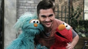 Juanes, Elmo, Rosita