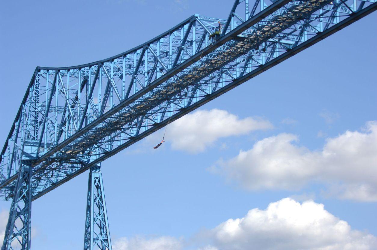 bridge-bungee-jumping-uk