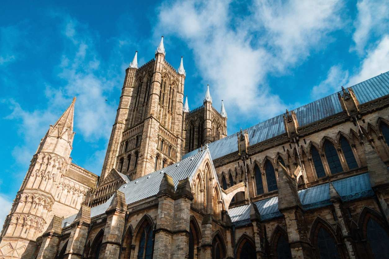 lincoln-cathedral-old-church-on-a-summers-day-blue-skies