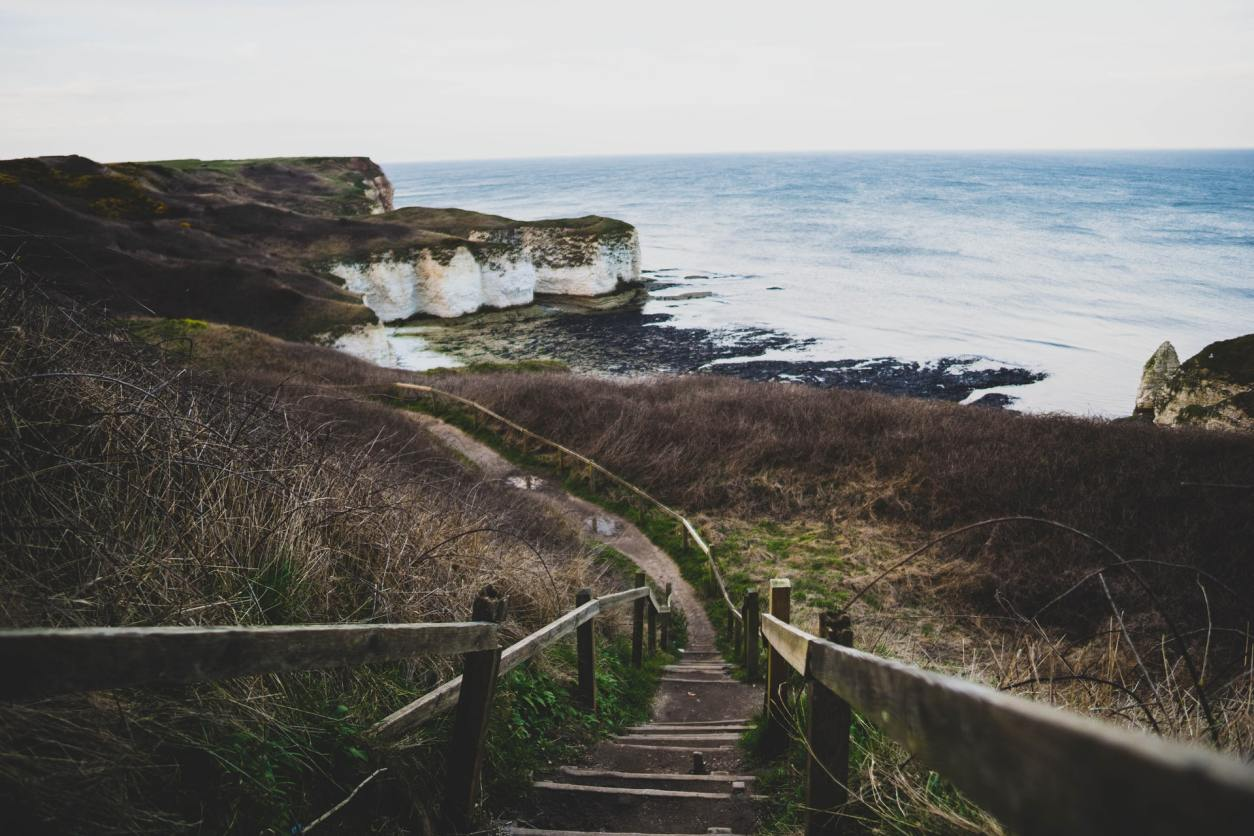 steps-leading-down-to-cliffs-by-sea-flamborough-head-best-walks-in-yorkshire