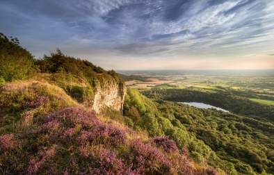 views-across-green-fields-and-lake-sutton-bank-best-walks-in-yorkshire